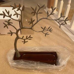NWT! Red Envelope - Jewelry Tree